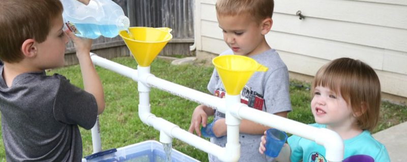 3 easy DIY stations that let kids discover the wonders of water